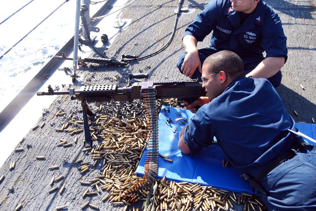 Gunner's Mate Seaman Deandre Bell fires an M240B machine g… | Flickr