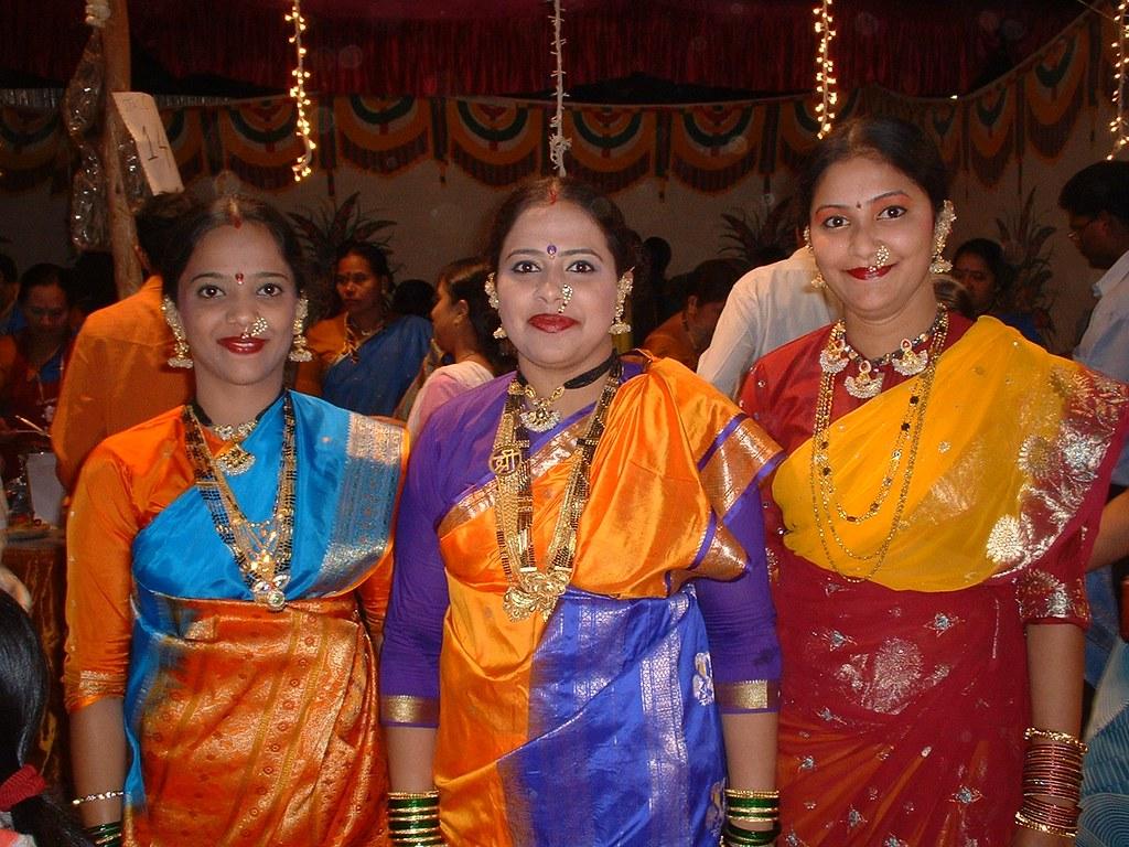 Koli dress pictures