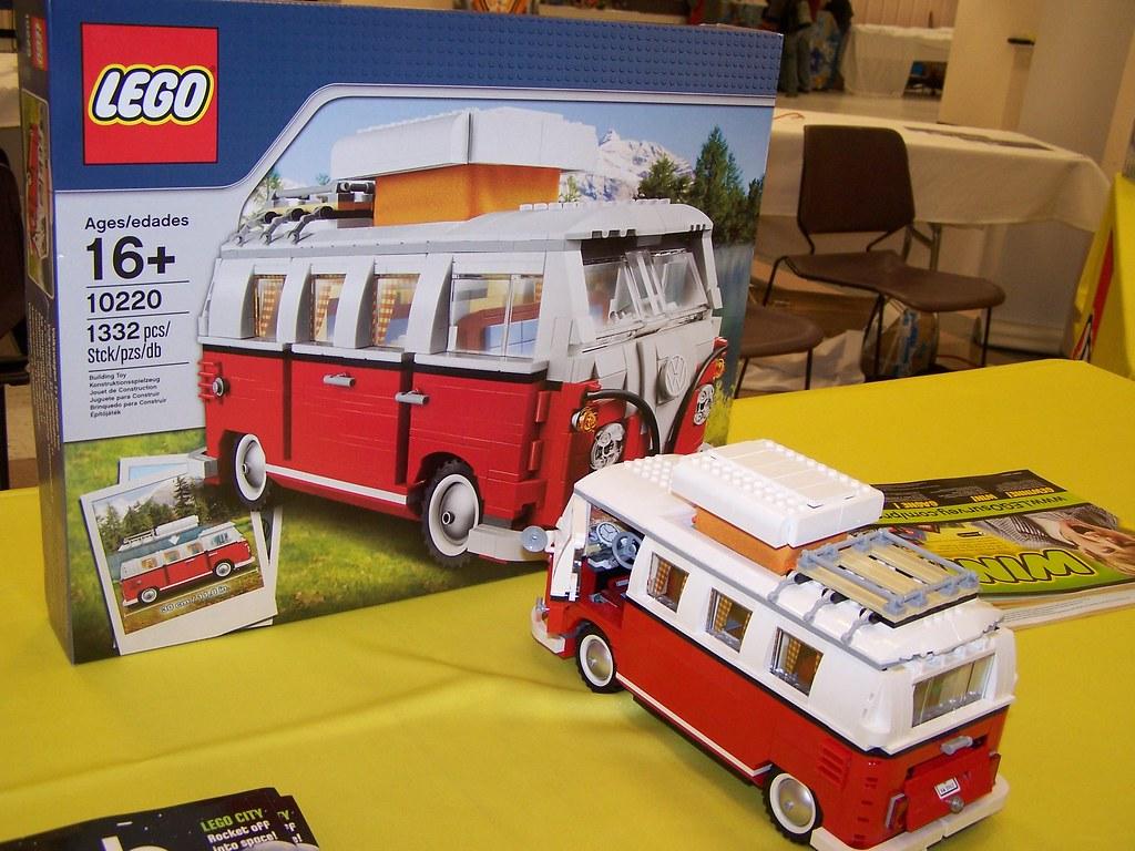 lego 10220 volkswagen t1 camper van this lego 10220. Black Bedroom Furniture Sets. Home Design Ideas