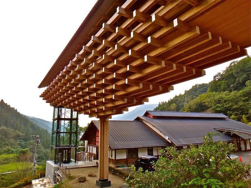 雲の上のギャラリー 梼原 木橋ミュージアム 雲の上のホテル Kumo No Ue No Gallery Yu