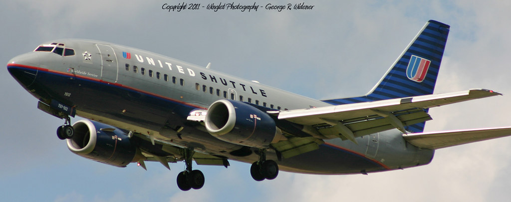United Airlines Shuttle Boeing 737 522 N921ua One Of