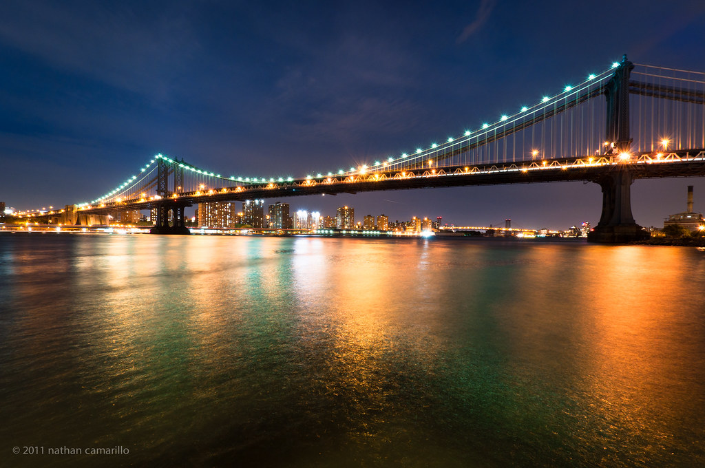 manhattan bridge at night