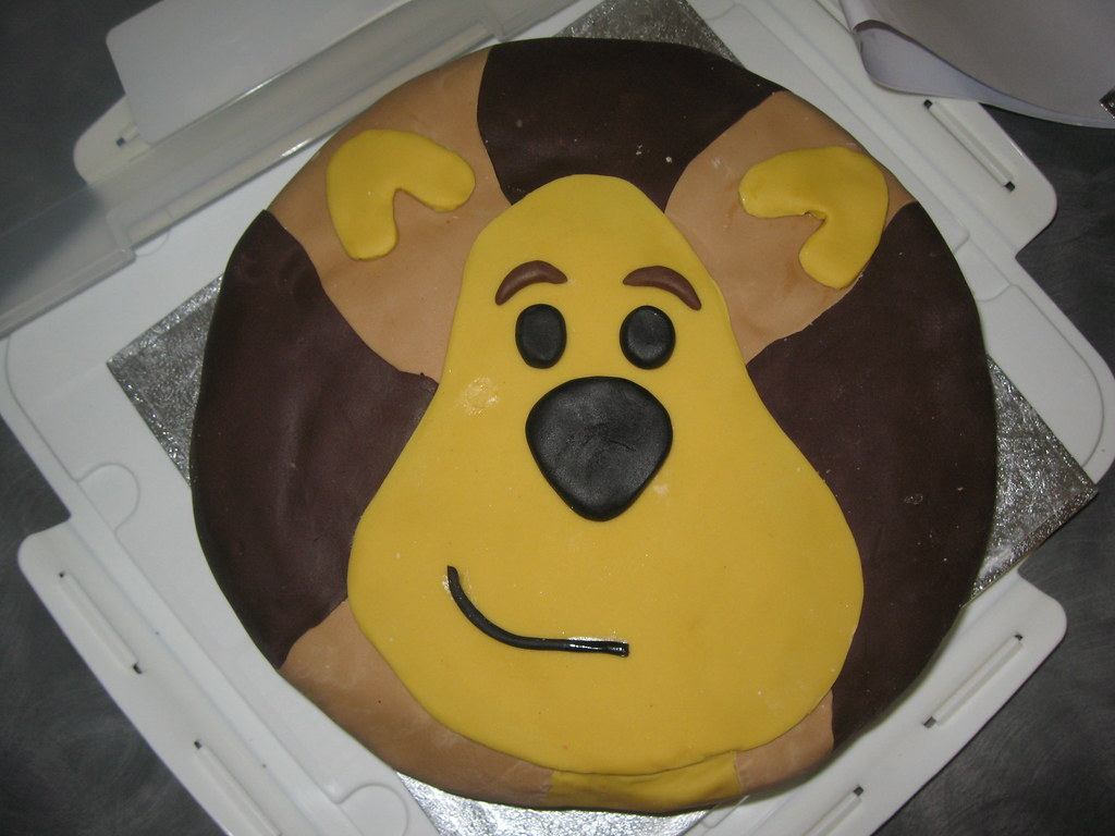Raa Raa The Noisy Lion Cake 1st Birthday Cake Sponge Flickr