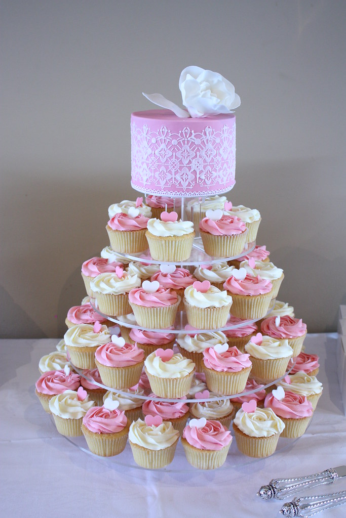 Victorian Wedding Cup Cakes