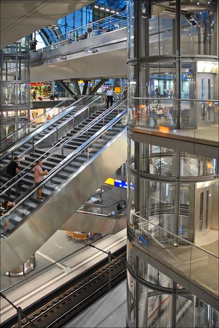 L 39 int rieur de la gare centrale berlin flickr photo for L interieur movie