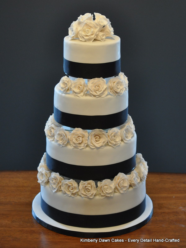 white wedding cake with black roses black and white wedding cake cakes 27401