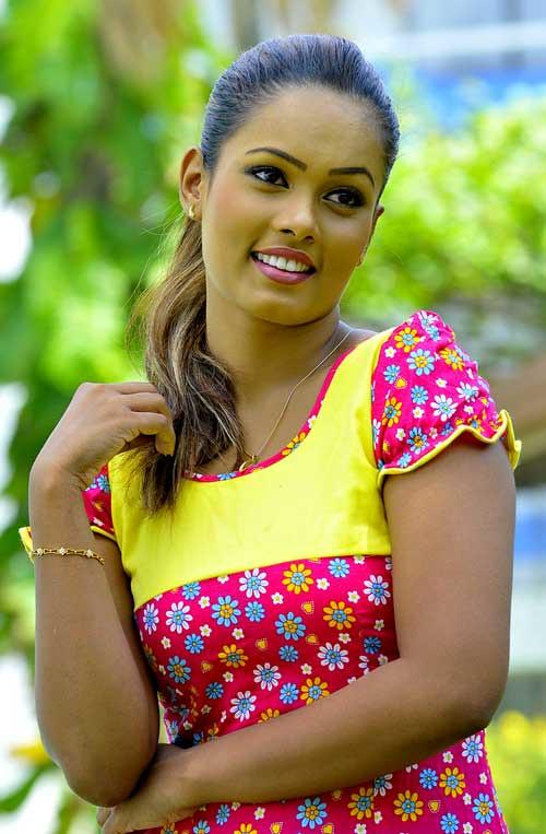 Menaka Peiris Hot Photos Srilankaactressmodel Blogspot