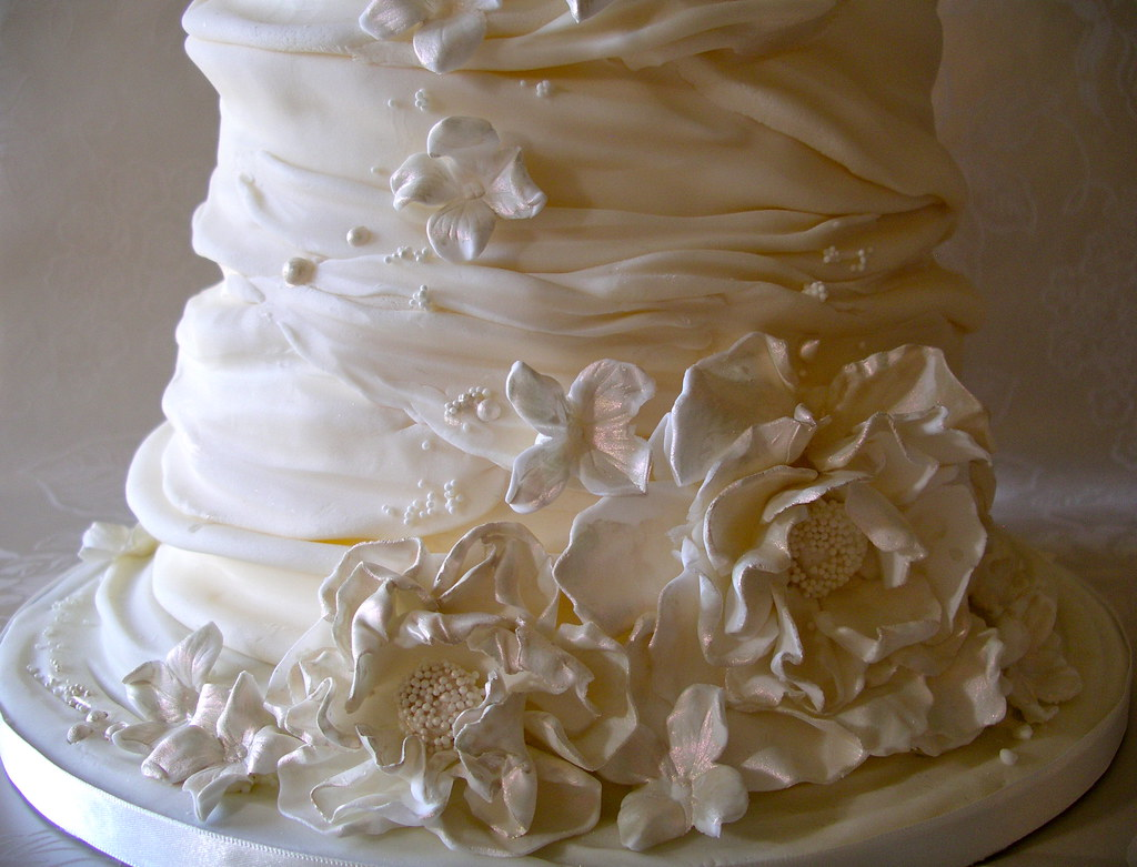 Cake With Whipped Cream Frosting Calories : whipped cream wedding cake Lynette Horner Flickr