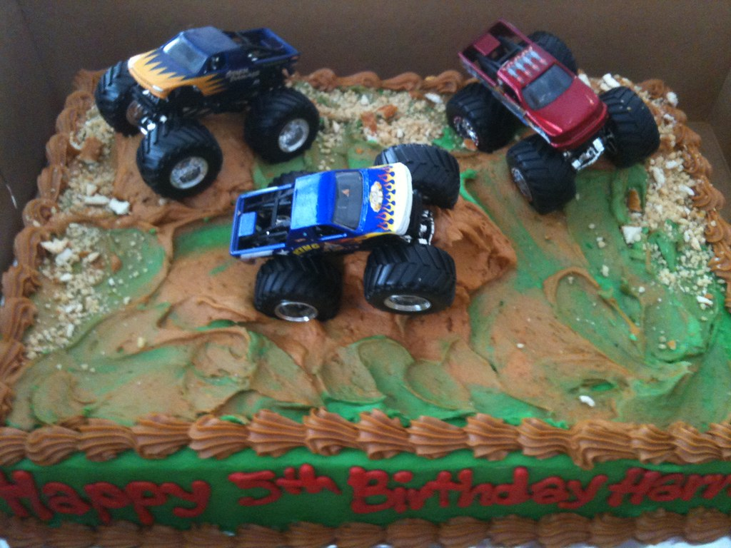Atv Cake Pic Your Kid Gets On Your Nerves With Muddy Cloth Flickr