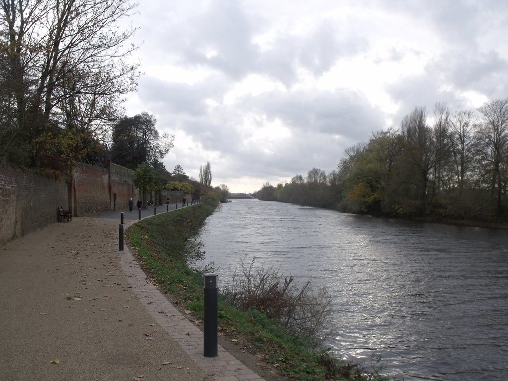 River Severn, Worcester - Boundary Walls to East Side of R ...