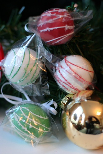 Holiday Cake pops! | by Sweet Lauren Cakes