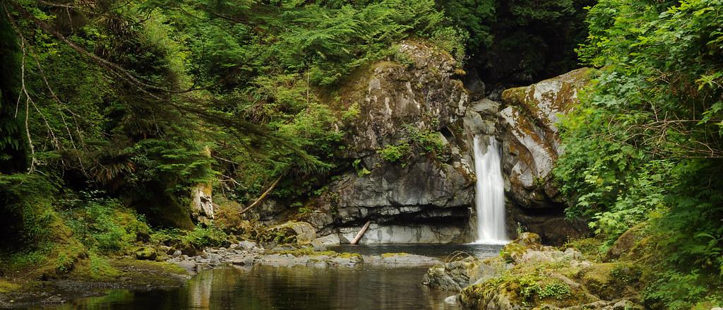 Waterfall Island In Kitchen