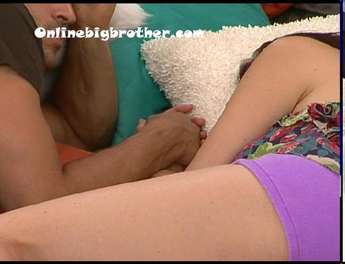 BB13-C2-7-8-2011-4_32_34.jpg | by onlinebigbrother.com