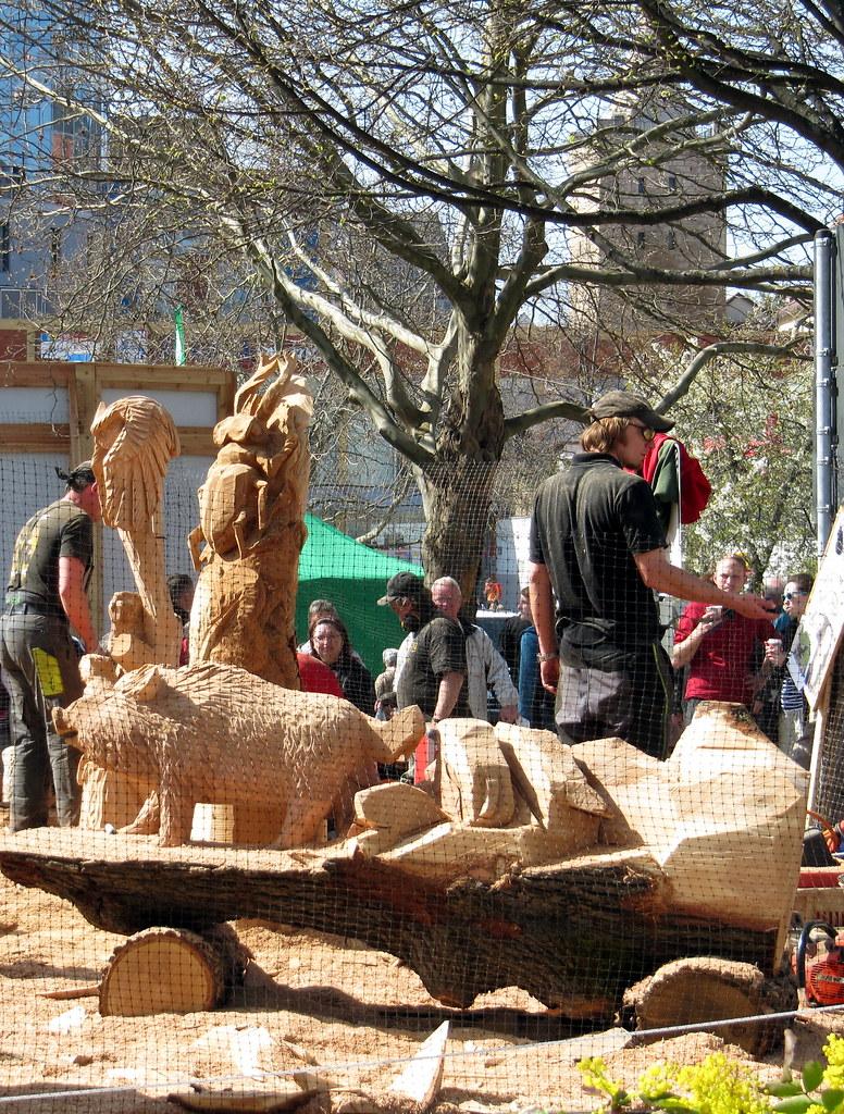 10. thüringer holzmarkt > kettensägen-kunst | gaby | flickr