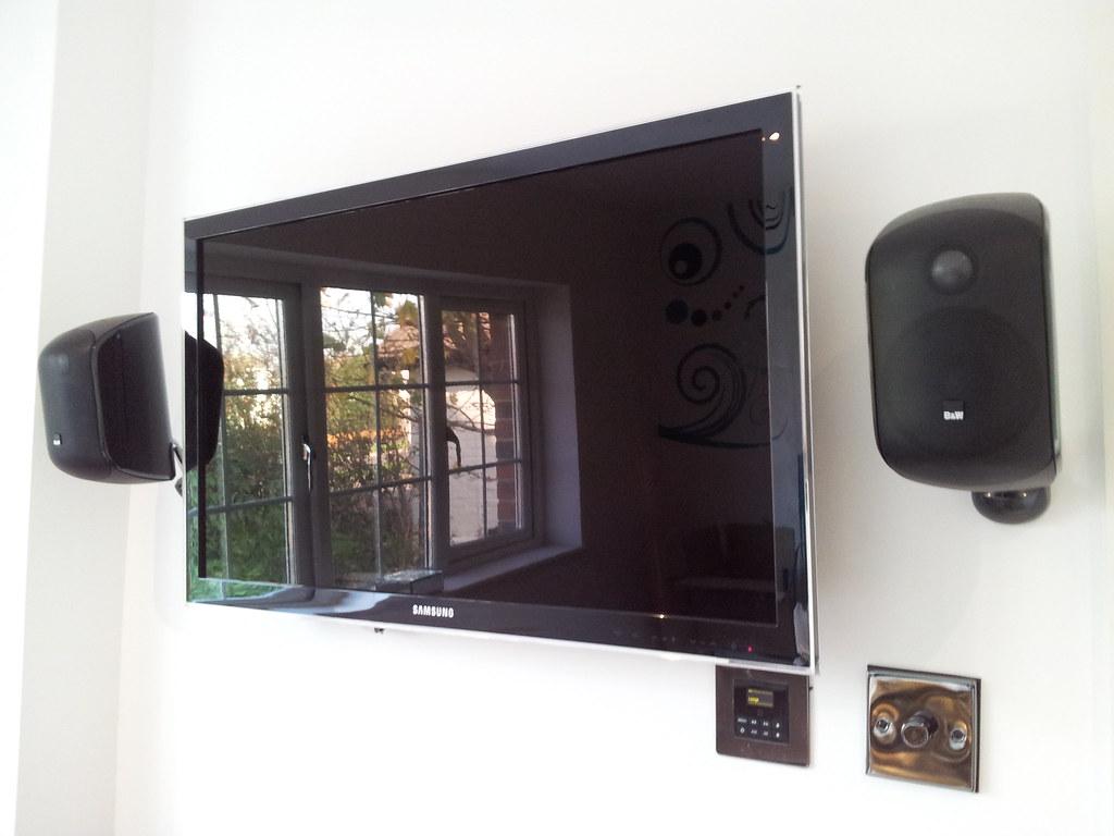 samsung led tv b w m1 speakers the samsung tv 39 s audio is flickr. Black Bedroom Furniture Sets. Home Design Ideas