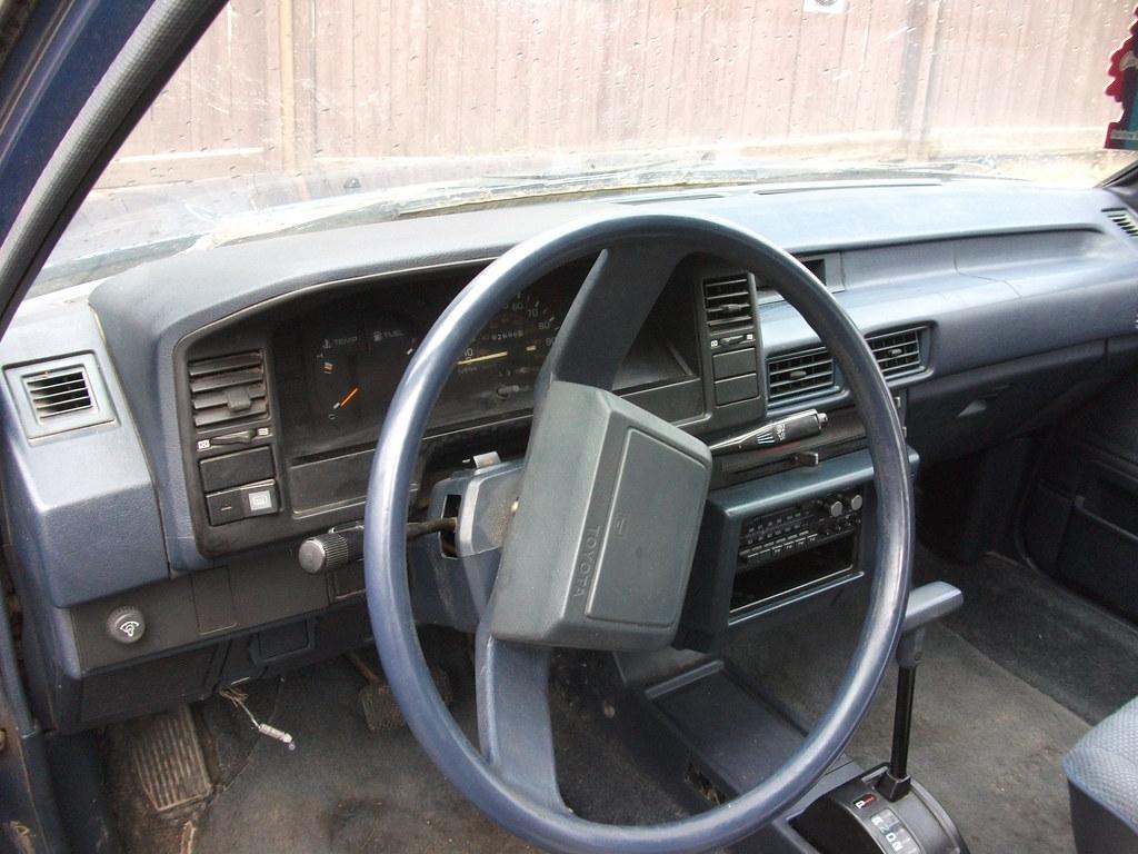 1987 Toyota Corolla Interior Isn T That Bad Working Radio Flickr