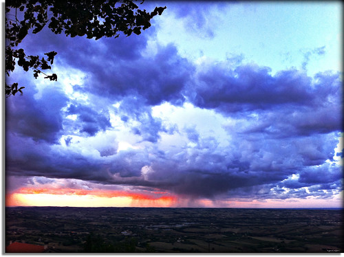 The coming storm seen from the natural balcony of Staffolo - Italiy | by Uscè (OFF,OFF!!!!!)