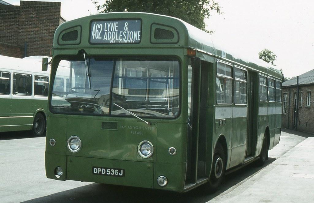 London Country Bus Services Ltd . SM536 DPD536J ...