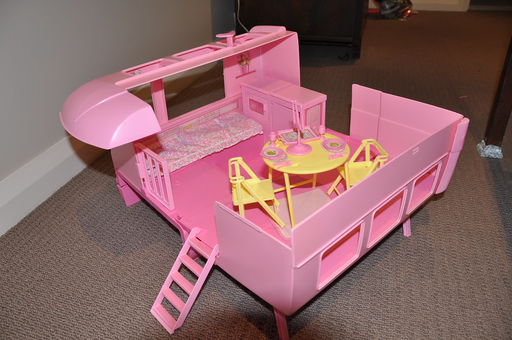 1989 barbie doll magic van this set is complete with all. Black Bedroom Furniture Sets. Home Design Ideas