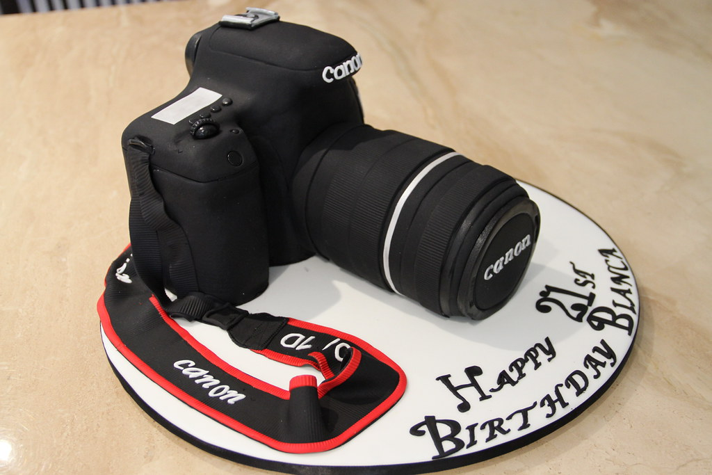 Camera Images For Cake : CANON EOS 7D CAMERA CAKE Chocolate mud and chocolate ...
