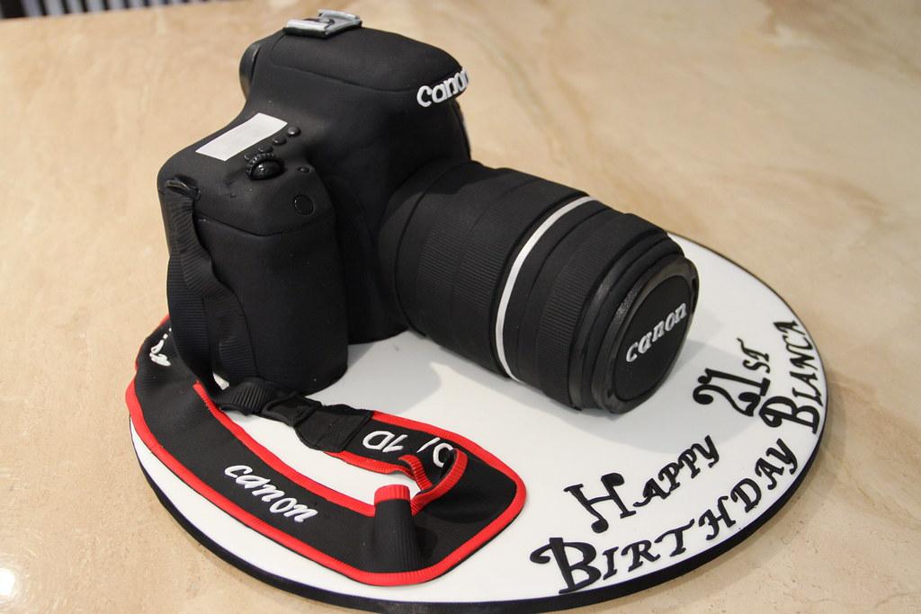 Canon Camera Cake Photos