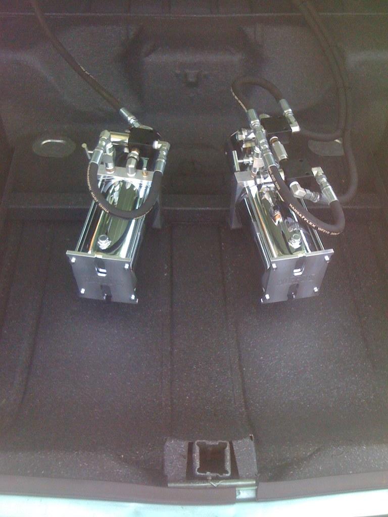 2 Pumps 3 Dumps 6 batteries - Lowrider Hydraulics from Hop ...