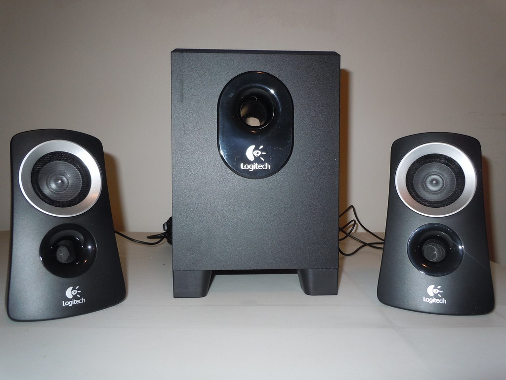 10 17 11 logitech z313 speaker system bryan flickr. Black Bedroom Furniture Sets. Home Design Ideas