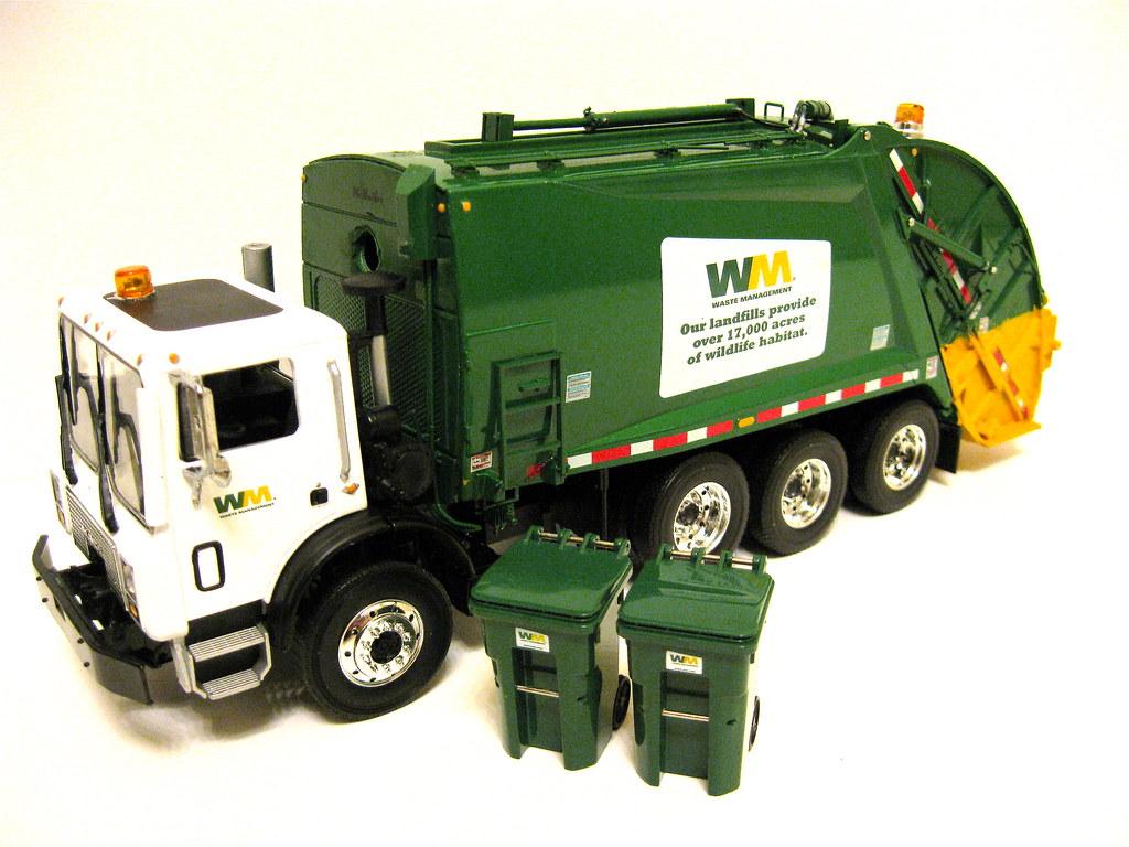 First Gear Waste Management Mack Mr Rear Load Garbage Truc