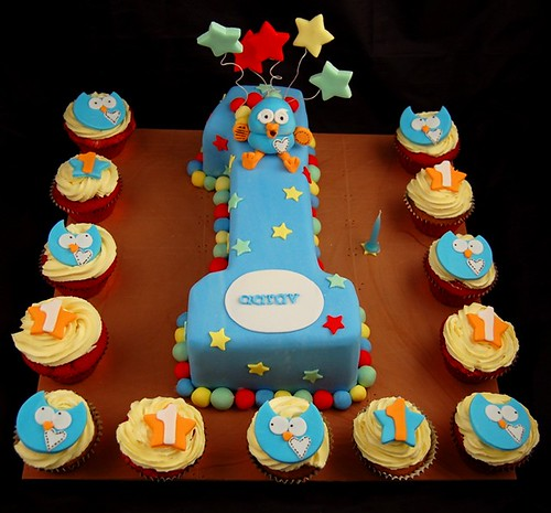 Hoot Cake Images
