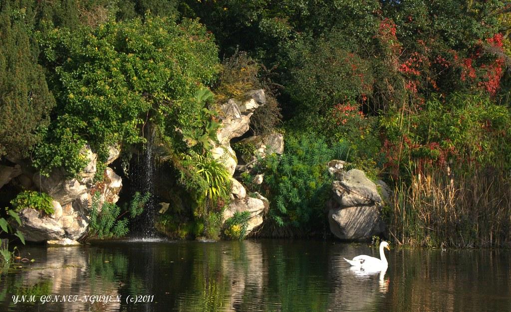 Merveilles d 39 automne parc de bagatelle neuilly sur sei for Bagatelle jardin paris