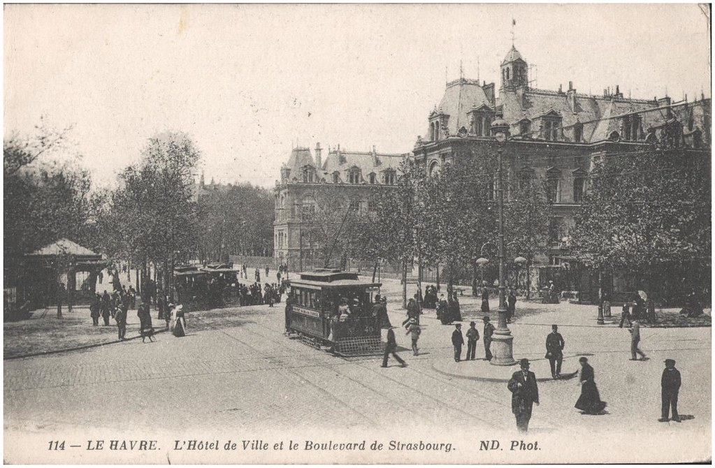 postcard le havre l 39 hotel de ville et le boulevard de st flickr. Black Bedroom Furniture Sets. Home Design Ideas