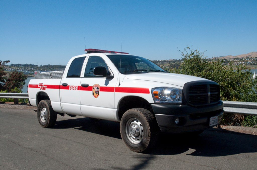 Cal Fire Map >> Cal Fire Truck Again | A mysterious car crashes into a ravin… | Flickr