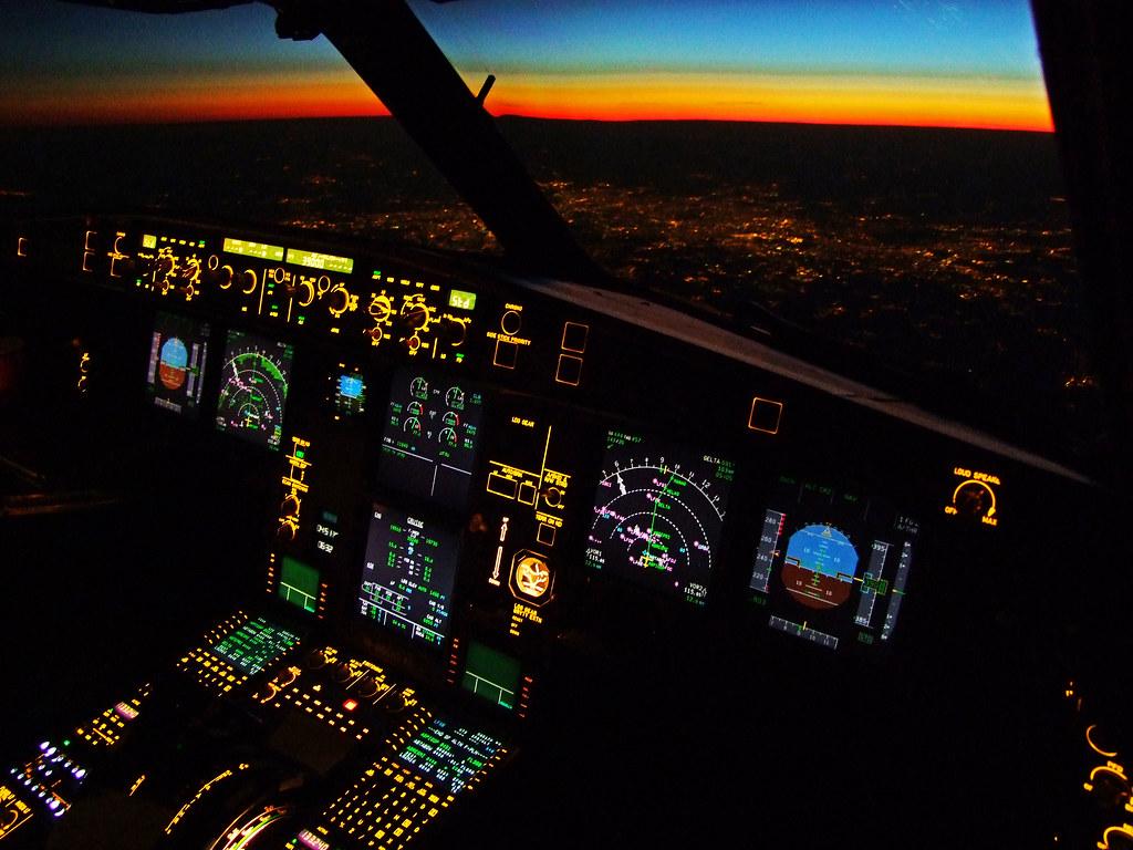 SWISS A330-300 Flightdeck over Paris | 6 hours and 38 ...