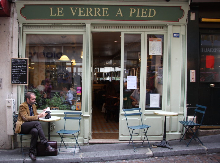 le verre a pied rue mouffetard paris le verre a pied is flickr. Black Bedroom Furniture Sets. Home Design Ideas