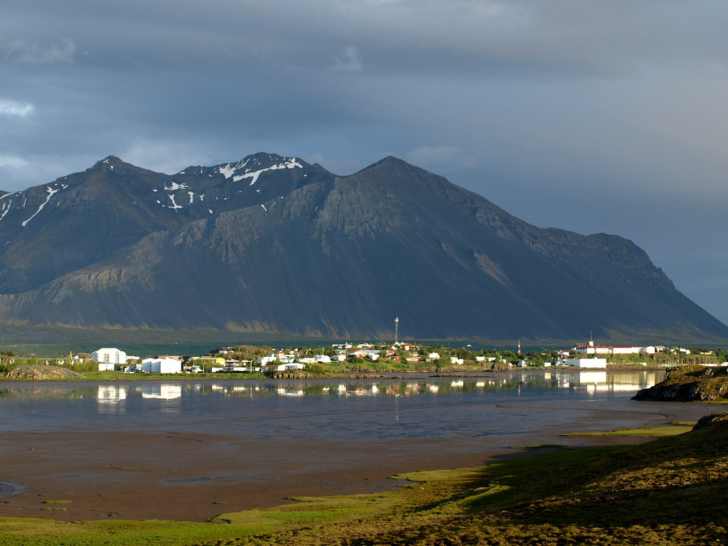 Borgarnes Iceland  city images : Borgarnes | Borgarnes is a town in W Iceland, in the backgro ...