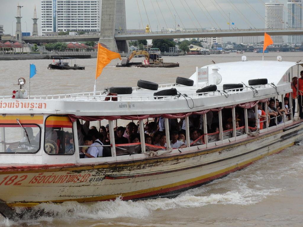Bangkok Chao Phraya Express Boat Navigare il fiume Chao P Flickr