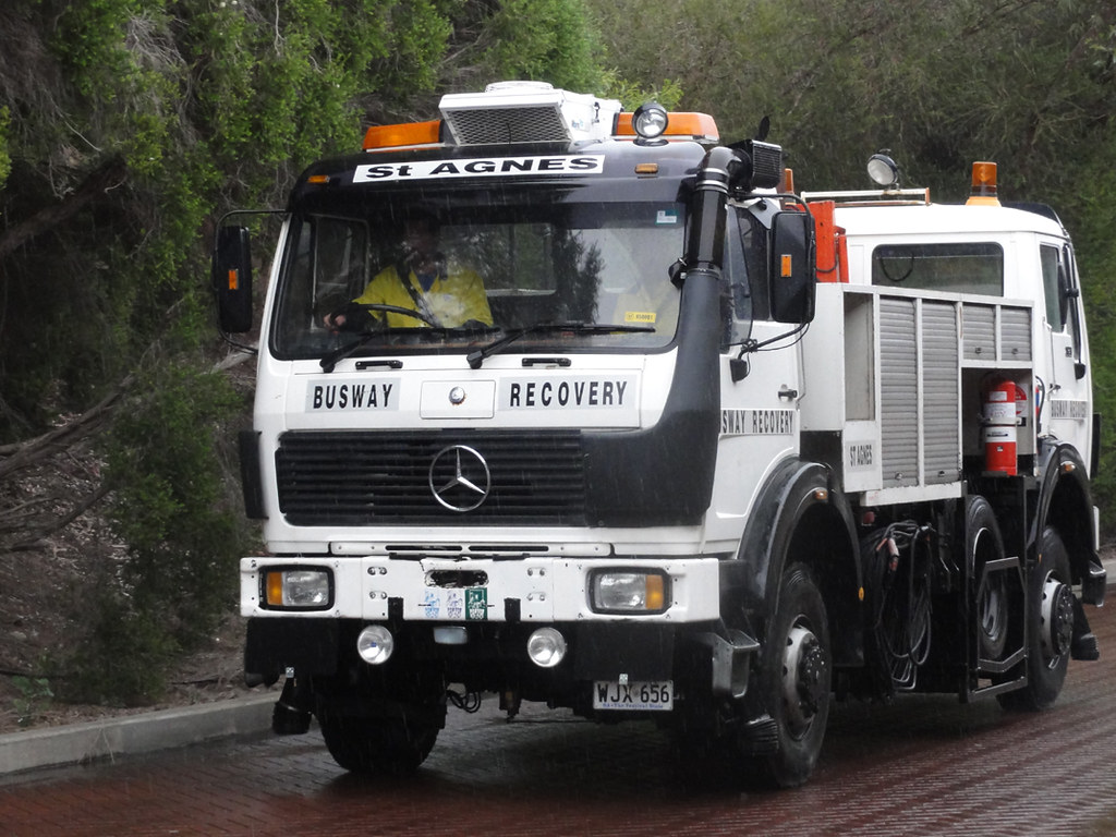 O Bahn Recovery Vehicle Mercedes Benz Double Ended O