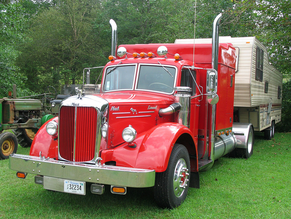 9 furthermore Ch iontowingpotosimo together with Toy Car Clipart additionally Build Wooden Toy Truck moreover Towmotor. on vintage fire trucks