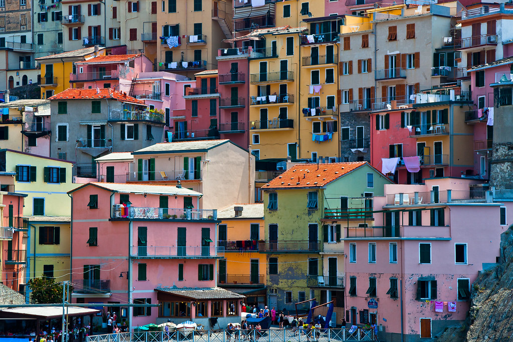 Colorful houses in manarola 5 lands liguria italy for 1 homes in italy