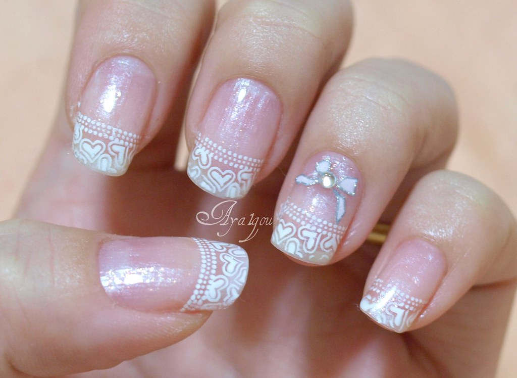 Winter white tips with bows and hearts | My own nails Base g… | Flickr