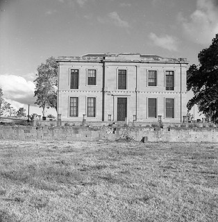 Exterior photographs, Pre-Restoration photographs to record the condition of the building (for the National Trust), Aberglasslyn House, Aberglasslyn, NSW, Australia - August, 1981 | by UON Library,University of Newcastle, Australia