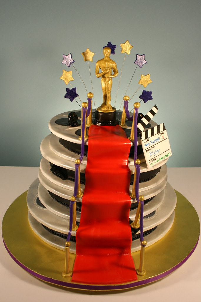 Hollywood Oscar Themed 13th Birthday cake. Decorated in ...