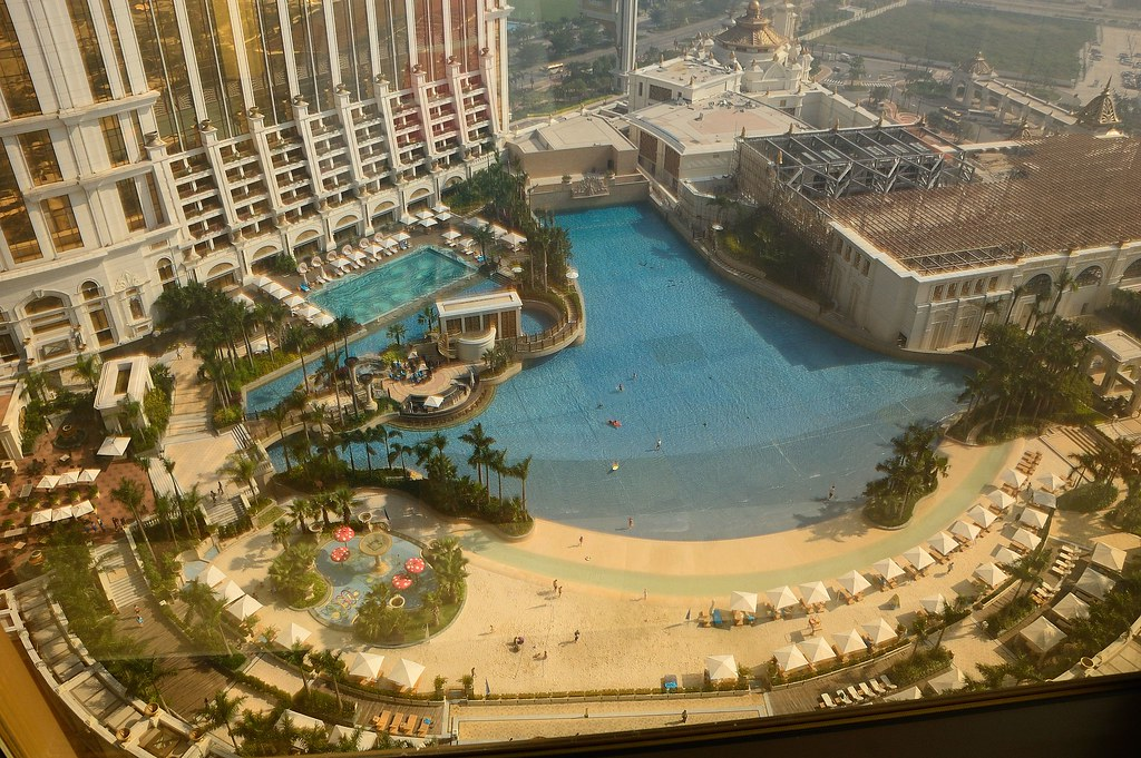 Wave Pool And Artificial Beach At Galaxy Macau Ming Yen Hsu Flickr