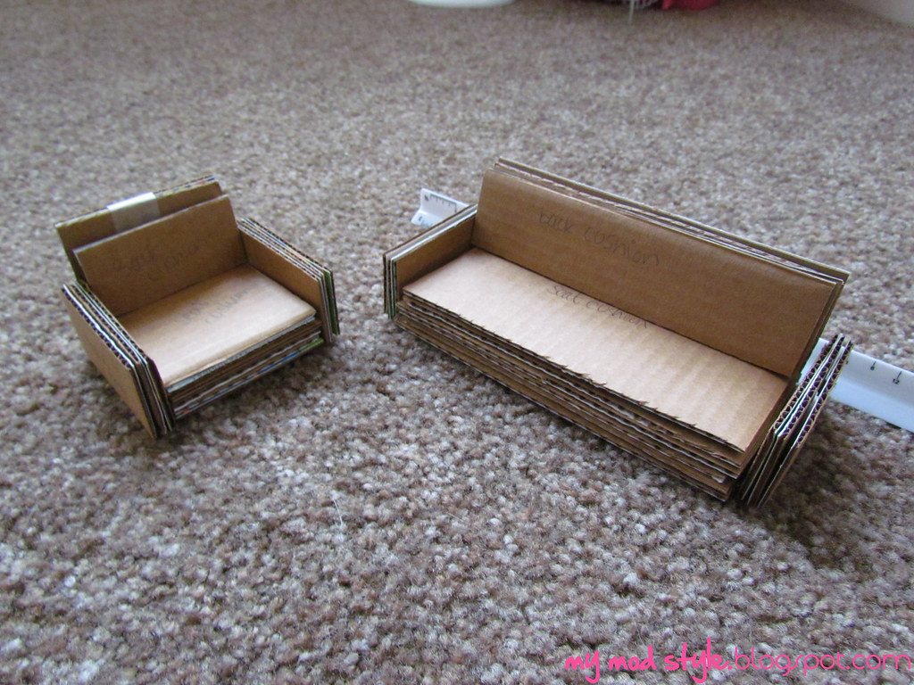 ... My Dollhouse / Cardboard Furniture | By Jessie {Creating Happy}