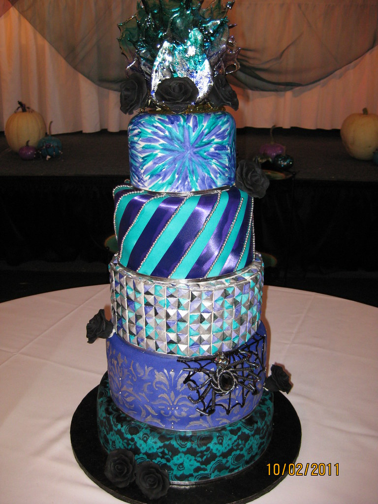 nightmare before christmas wedding cake by any way you ice itcom - Nightmare Before Christmas Wedding Decorations