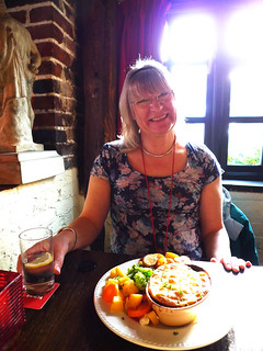 2011 1121 027 (LDLUX4) Lucy; The Queen's Head; Icklesham | by Lucy Melford