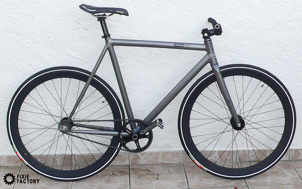 La Collaboration Leader Bike X Pedal Consumption Fixie Factory