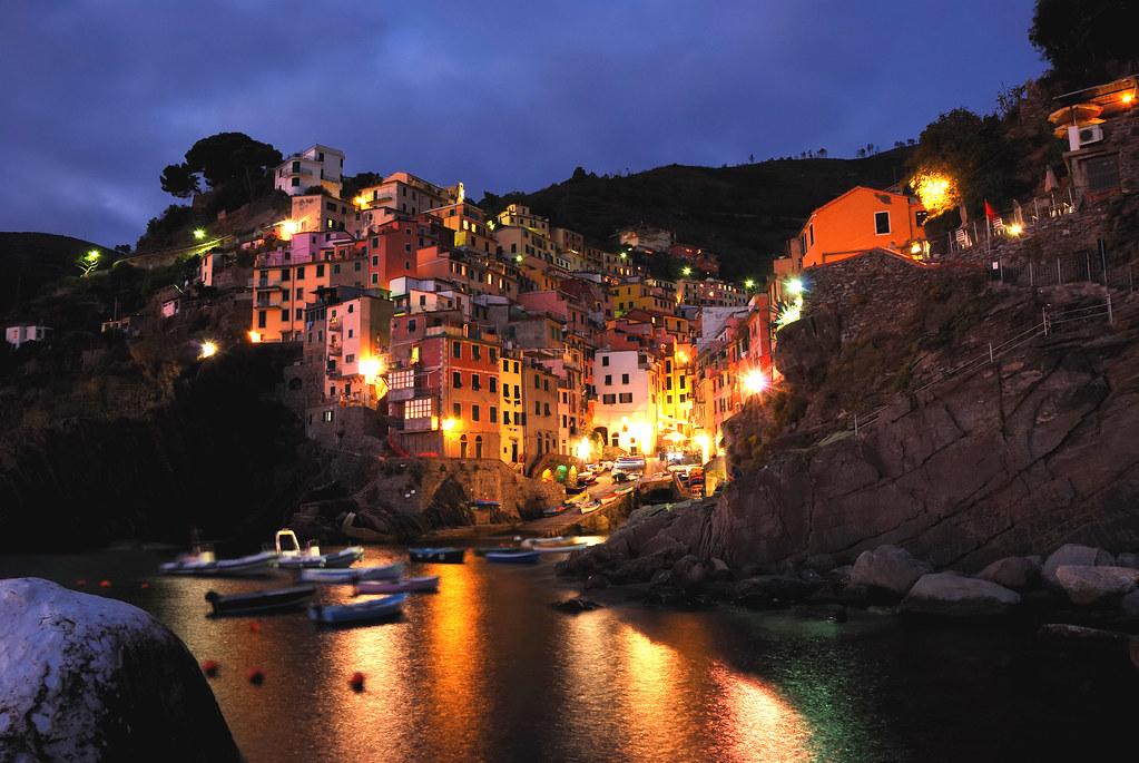 Riomaggiore by night przemys aw wollenszleger flickr for Miroir nightclub rio