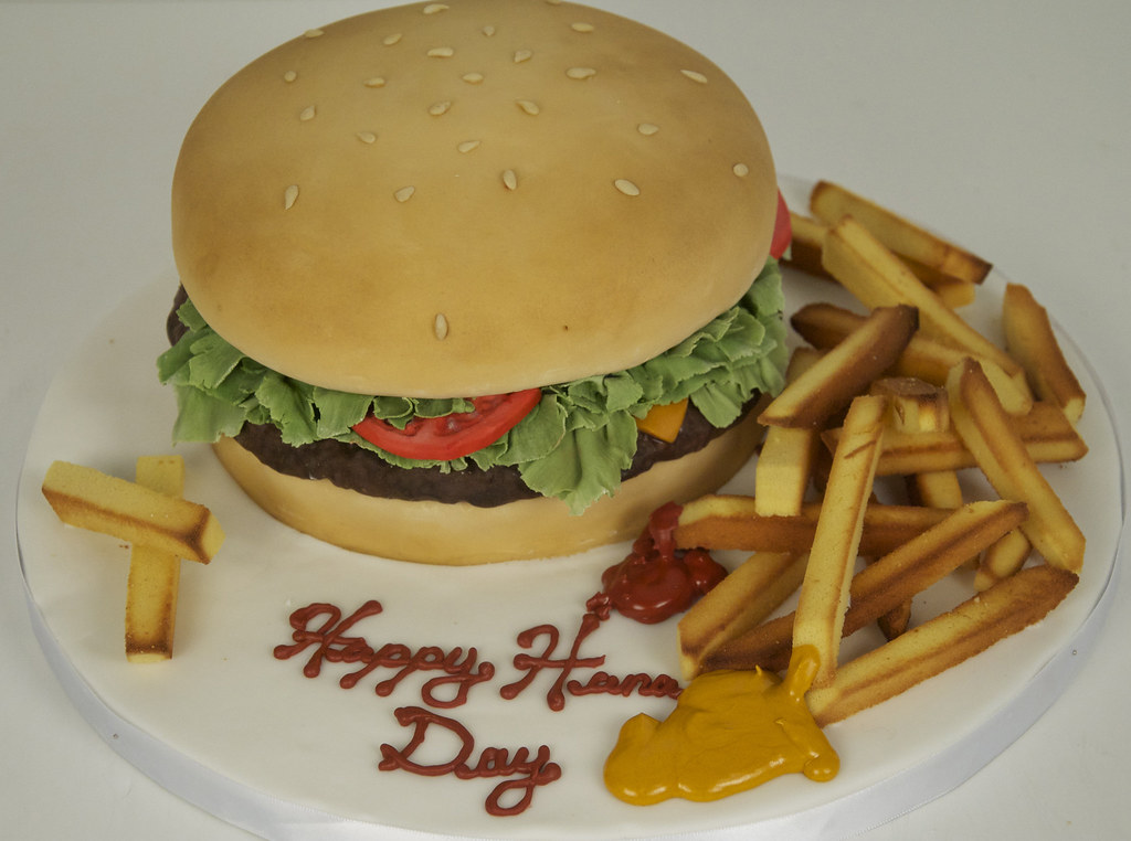 Birthday Cake That Looks Like A Hamburger