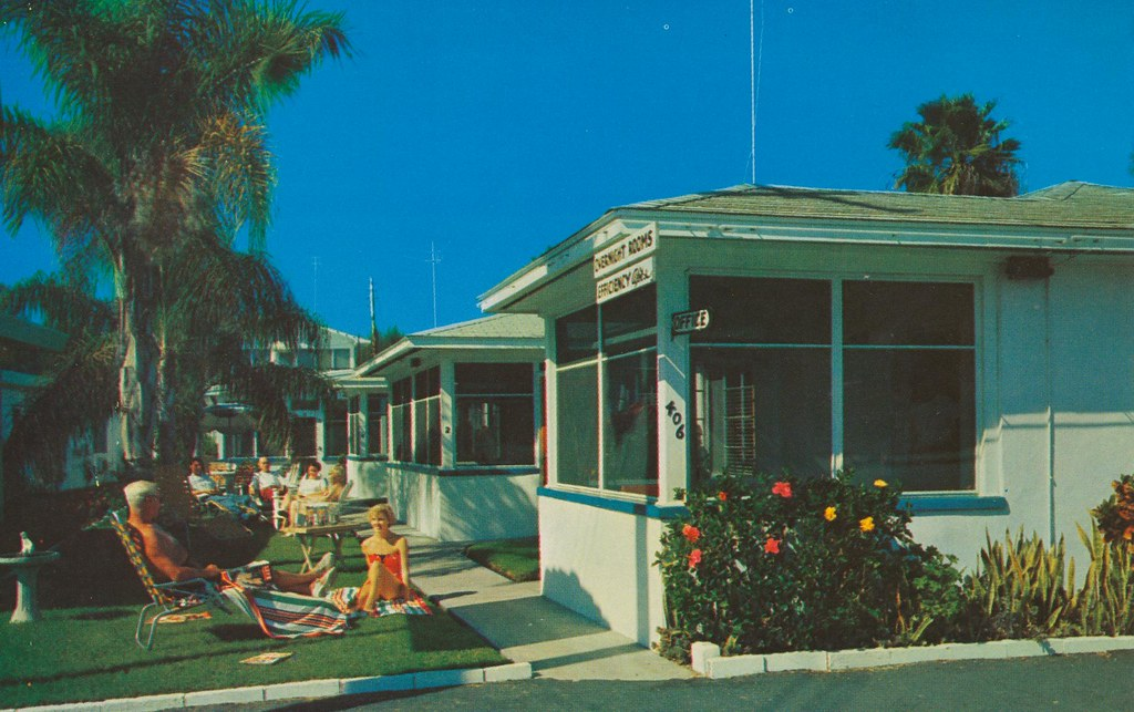 Blue Skies Motel - Clearwater Beach, Florida